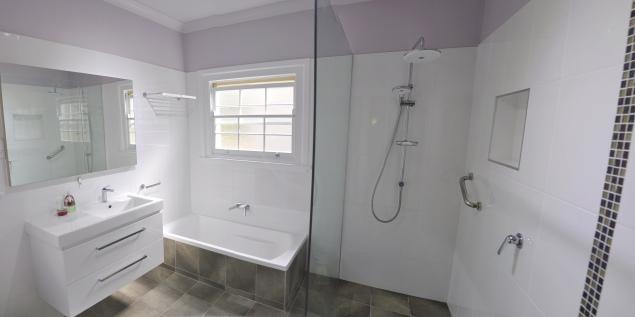 Bruce_Bathroom_Panorama